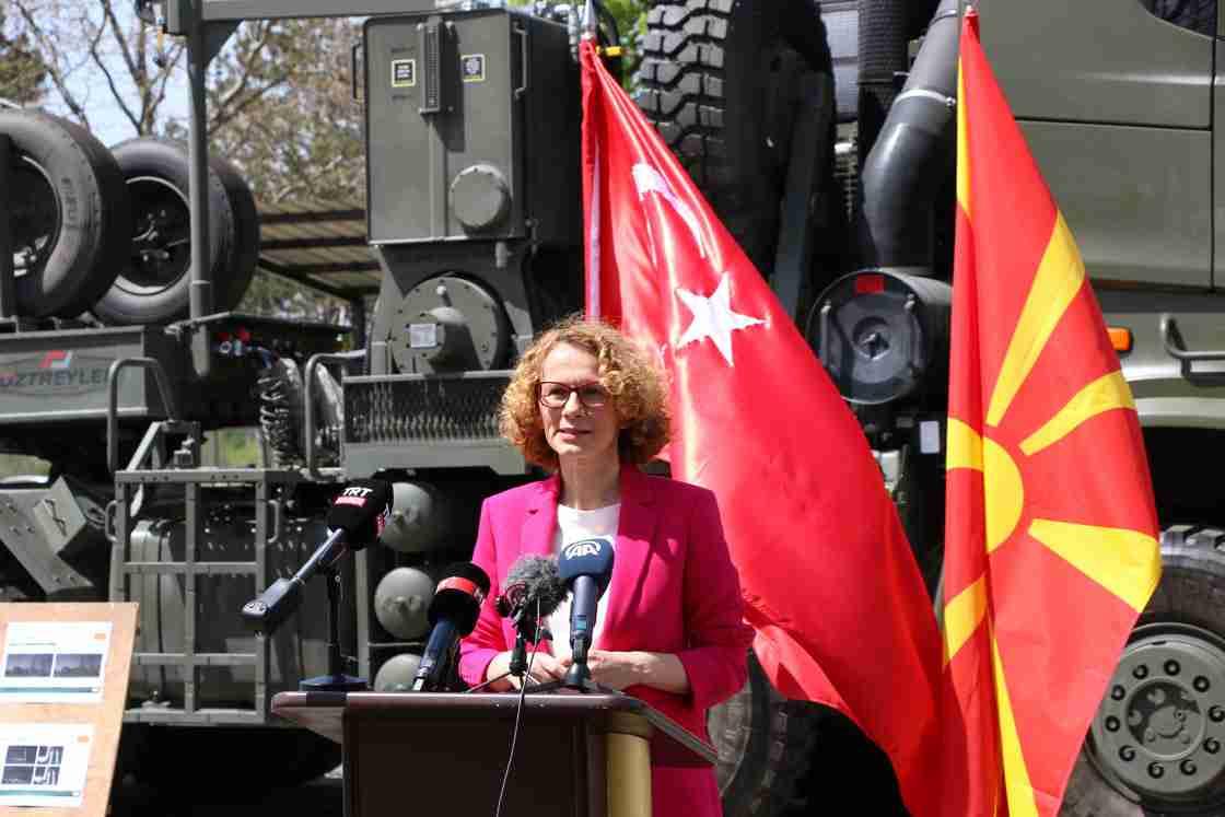 Türkiye, Kuzey Makedonya'ya tank taşıyıcı hibe etti