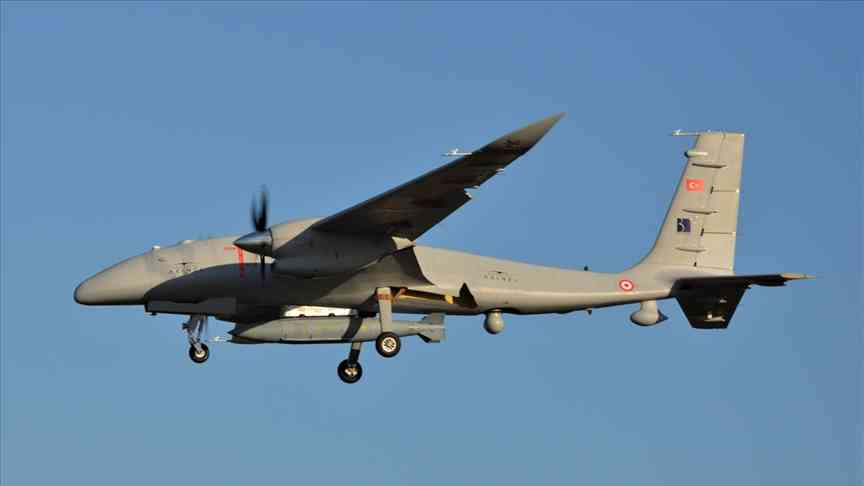 Akıncı voou 13 horas e 24 minutos com a Bomba Penetrante
